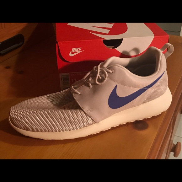 separation shoes abd69 718b3 Nike Roshe One Desert Sand Persion Violet Size 11 NWT